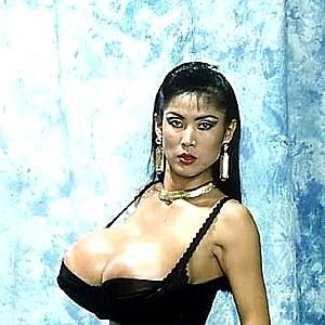 Super korean pornstar minka uses her big boobs