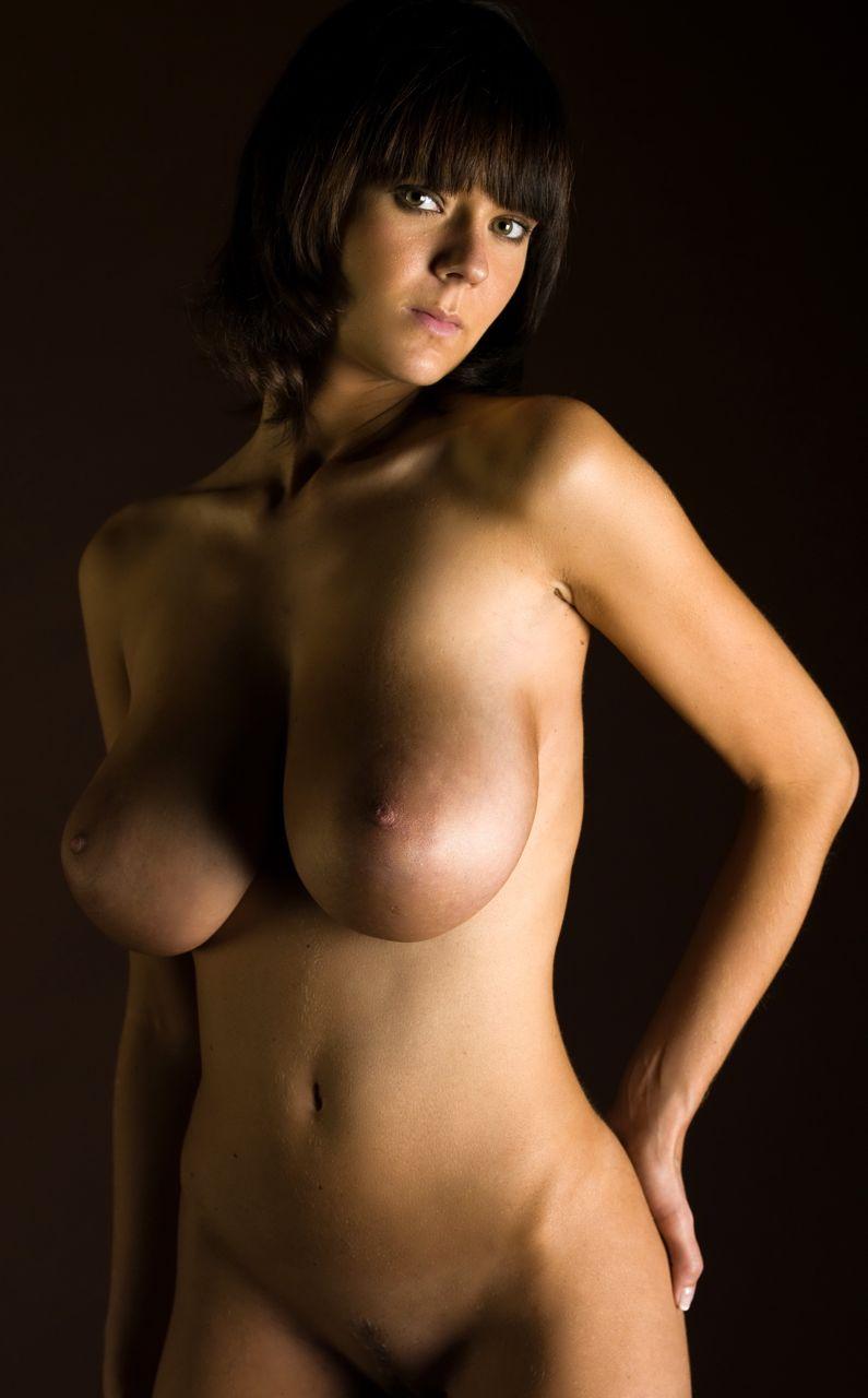 ala-sarah-passtel-nude