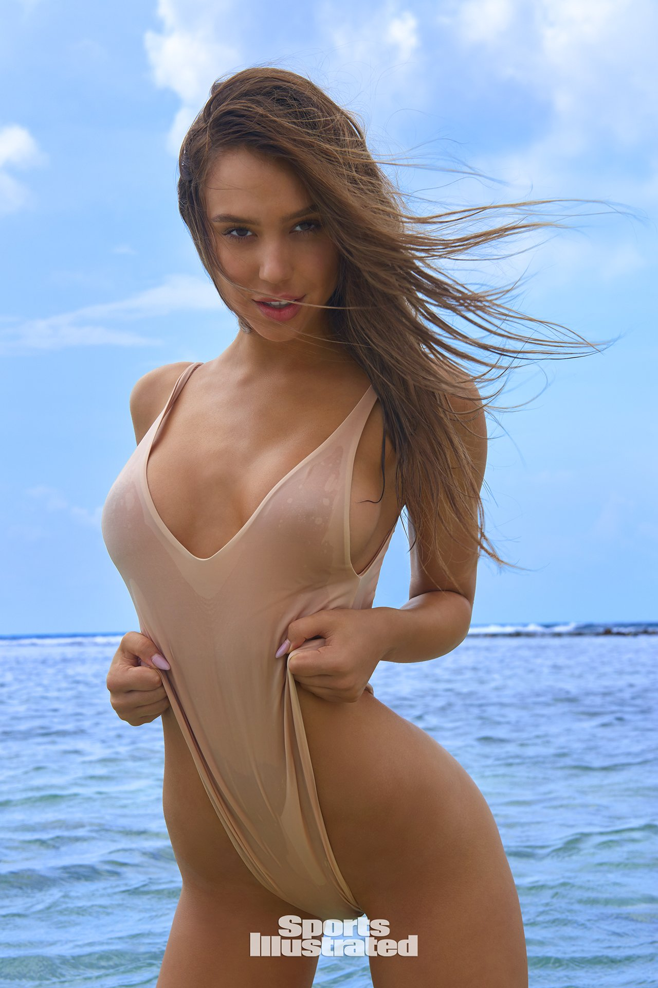 Alexis Ren Nude and - 2019 year