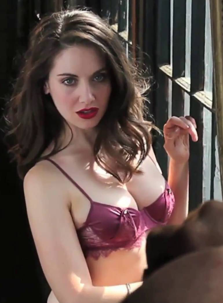 alison brie - free pics, videos & biography