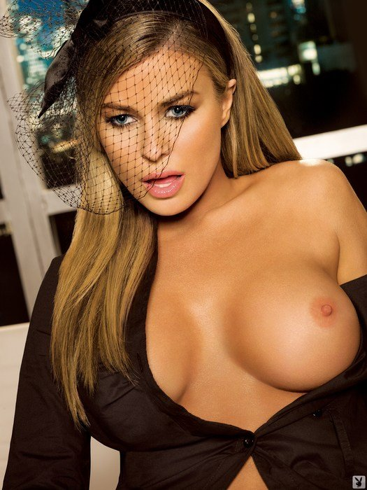 Nude carmen electra video