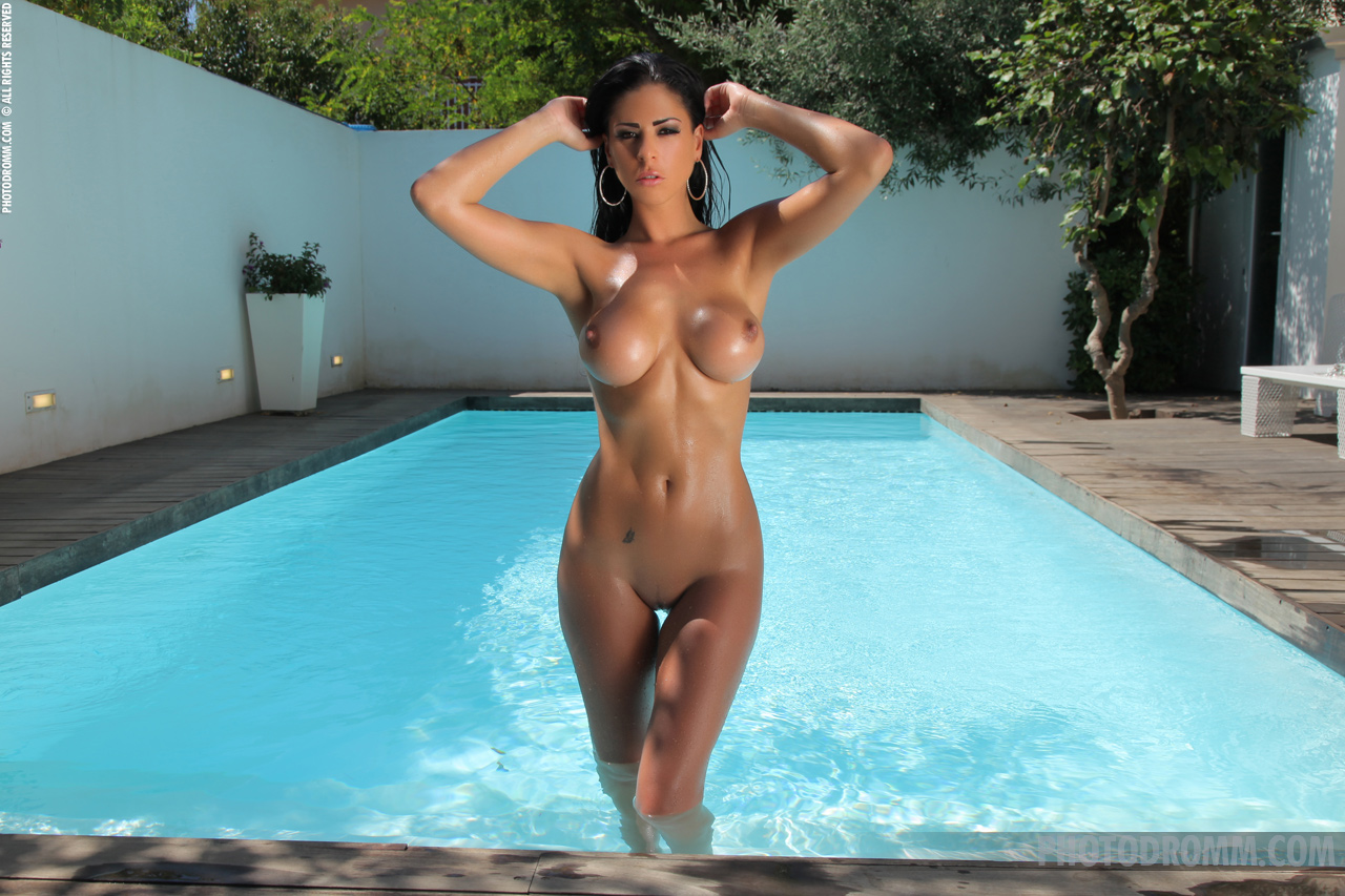 naked (71 photo), Bikini Celebrity pics