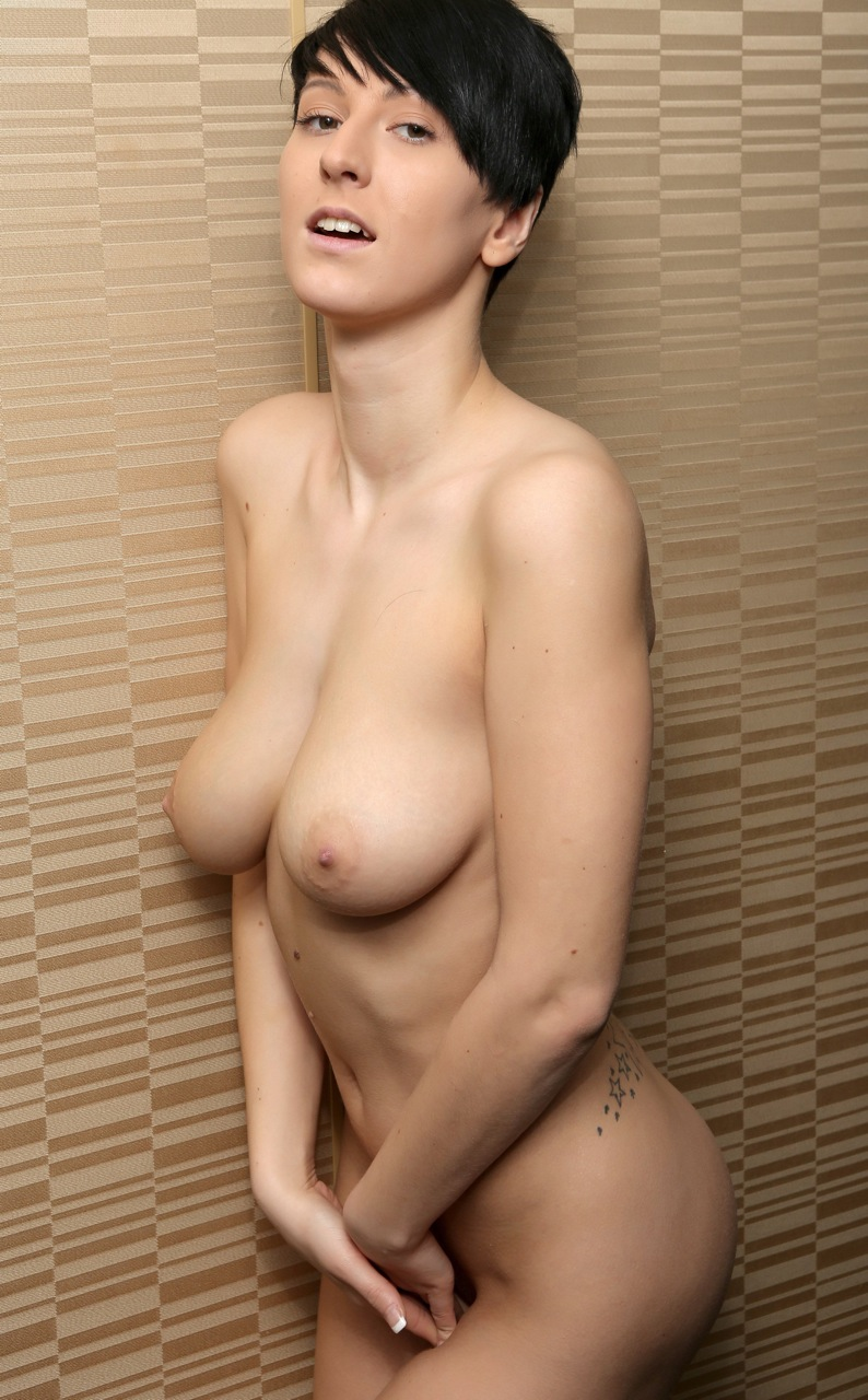 semi nude japanese women