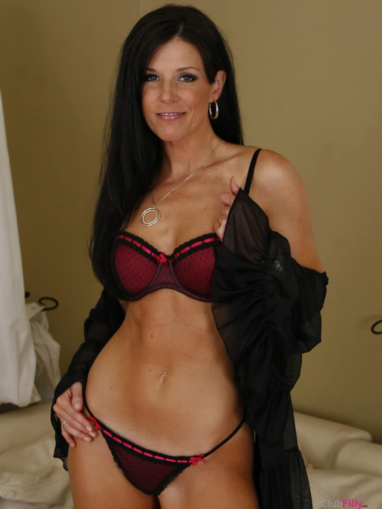 India Summer Lesbian Minimalist india summers - free pics, videos & biography