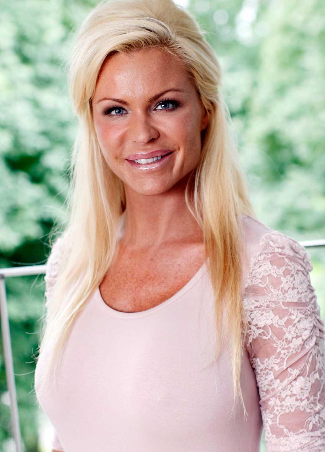 Linda Rosing Nude