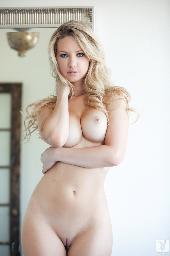 image Hot blondie takes a huge facial